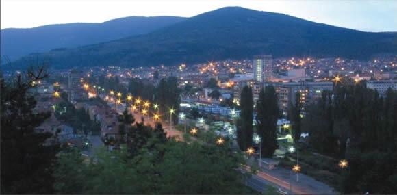 Панорамен изглед на Сливен малко преди залез слънце