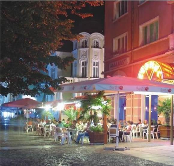 Нощният живот в Сливен