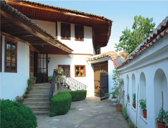 Двор на къща в Стария Сливен